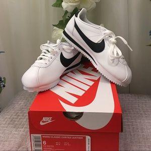 Nike Women's White Classic Cortez Leather